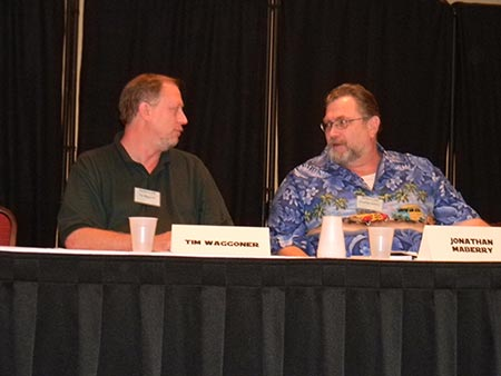 Gabbing with Jonathan Maberry before a panel at Confluence, 2012.